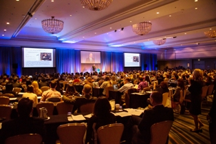 Jeffrey Bland, PhD, a keynote speaker at the Metagenics Lifestyle Summit, presents to more than 750 healthcare practitioners on lifestyle medicine.