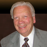 After nine years in practice as a doctor of chiropractic in Russellville, Kentucky, Harry Hester, DC, sold his practice in 1962 to start a nutritional supplement company.